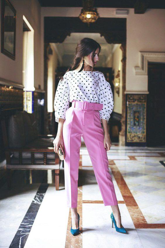 Cinturones anchos: el truco para remarcar las formas femeninas