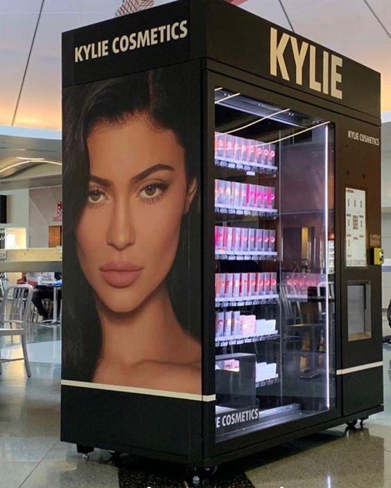Kylie cosmetics en máquinas expendedoras